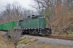 ys150 (Fan-T) Tags: ys 18 gp18 emd plw mill rock cut ohio shortline youngstown southern