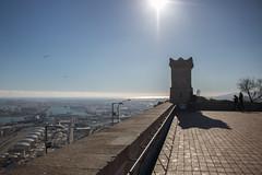 La torre (Letua) Tags: barcelona montjuic arquitectura azul backlighted blue cielo contraluz puntodefuga sky torre tower