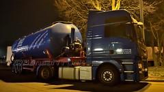 D - BVD Spedition MAN TGX 18.500 XXL (BonsaiTruck) Tags: bvd dincklage man tgx nacht night nuit ffb feldbinder lkw lastwagen lastzug silozug truck trucks lorry lorries camion caminhoes silo bulk citerne powdertank