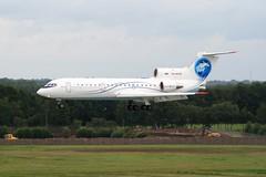 RA-42432 (PlanePixNase) Tags: hannover eddv haj aircraft airport planespotting langenhagen saratov yak 42 yakovlev яковлев як42 yk42