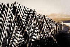 Ombré (Jacquod1) Tags: architecture bretagne nature mer nuages plage sable sepia