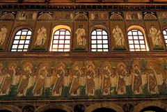 Ravenna - Sant'Apollinare Nuovo 1 (antonella galardi) Tags: emilia romagna ravenna 2018 natale mosaici paleocristiano bizantino santapollinarenuovo chiesa