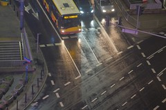 Warszawa (nightmareck) Tags: warszawa warsaw mazowieckie polska poland europa europe fotografianocna bezstatywu night handheld fujifilm fuji fujixt20 fujifilmxt20 xt20 apsc xtrans xmount mirrorless bezlusterkowiec xf55200 xf55200mm xf55200mmf3548rlmois telezoomlens fujinon rain deszcz