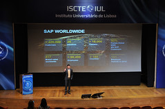 16th IBS Career Forum 2019 - Finance, Accounting, Consulting, HR_0200 (ISCTE - Instituto Universitário de Lisboa) Tags: fotografiadehugoalexandrecruz 16thibscareerforum ibscareerforum2019 carrerforum ibs iscteiul 2019 20190206 finance accounting consulting humanresources reitoradoiscteiul