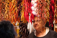 La mujer de la pimienta roja (markap) Tags: la boqueria mercat sant josep barcellona barcelona catalogna catalunya cataluña españa mercado public market spain spagna street mercato chili pepper peperoncino red hot chile señora ardente pimenta