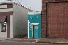(jwcjr) Tags: building dublinga dublingeorgia laurenscountyga smalltown smalltownga smallcity smallgacity pentax door