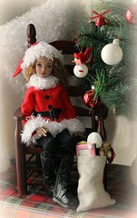 Merry Christmas.... (dambuster01) Tags: youpladolls ziya angel christmas festive season merrychristmas bjds jointed resin msd doll santa