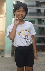 cute girl sending you peace (the foreign photographer - ฝรั่งถ่) Tags: jun142014nikon cute girl child peace sign khlong lat phrao portraits bangkhen bangkok thailand nikon d3200