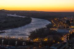 Tudela sunrise (Luis L.Modrego) Tags: tudela navarra amanecer sunrise red sky river ebro corazóndejesús puente bridge paisaje landscape horizon horizonte city lights