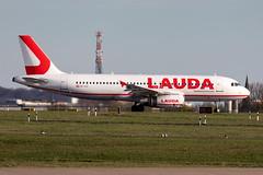 OE-IHD LaudaMotion Airbus A320-232 (buchroeder.paul) Tags: eddl dus dusseldorf international airport germany europe dusk ground aviation aircraft oeihd laudamotion airbus a320232