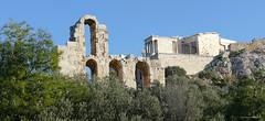 Au pied de l'Acropole d'Athenes. (JPH4674) Tags: athenes acropole athina grêce