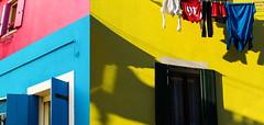 Cromie©FPAc (Ankar403) Tags: flickrsbest colore giallo rosso azzurro composizione edificio finestre biancheria magic mood atmosfera contrasto colori contrast atmosphere color yellow red light blue composition building windows