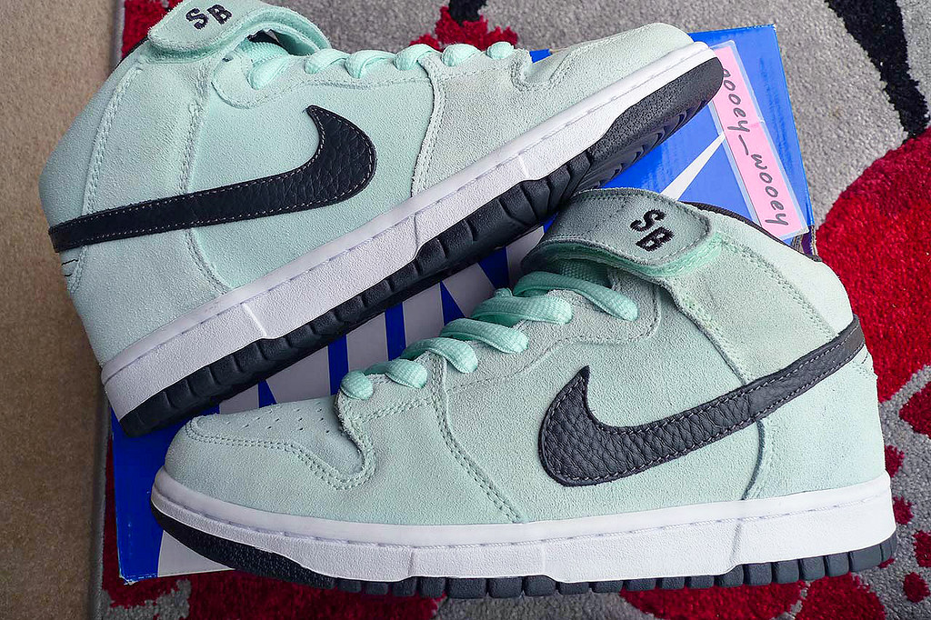 Nike Dunk Mid Pro SB  Ice Green   Dark Charcoal   314383 301) bbce9bf2a