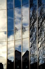 multiple reflections (bhermann.hamburg) Tags: architektur architecture building gebäude reflektion reflection