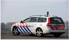 Dutch Police V70 LE. (NikonDirk) Tags: dutch traffic police national agency landelijke eenheid politie nikondirk nederland netherlands holland nikon cop cops hulpverlening trafficpolice verkeers verkeerspolitie numansdorp verkeer foto v70 hz681s hz682s jl451s