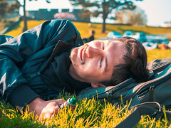 P1000603 (rozenn.rgr) Tags: lumixgx80 lumixgx85 25mm 25mmf17 panasonic sunset girl boy niceman converse sunshine brest bretagne portrait man