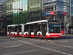 Mercedes Capacity L - Hochbahn 4706 (Pi Eye) Tags: mercedes o530 citaro capacity c2 capacityl articulé gelenk hambourg hamburg hochbahn vhh hvv bus