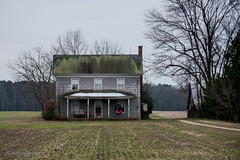 Abandoned house, vicinity of Greenwood, Delaware (adamkmyers) Tags: abandonedhouse abandoned farmhouse delaware delmarva greenwood oncewashome