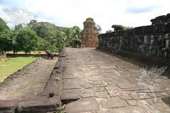 Angkor_Bakong_2014_19