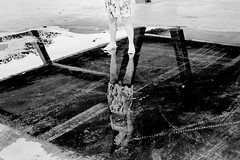 Kim | Arena Pananal, Cuiabá, MT, Brasil (fotografia analógica - Nikon F401S, 50mm 1.8, Kodak Tri-X 400 @ 800, D-76 stock). (Paulisson Miura) Tags: film filmphotography filmphoto filme filmcamera filmisnotdead filmevencido expiredfilm analog analógica analogue analogcamera fotografiaanalógica nikon kodak trix 400 800 tx ensaio model modelo blackandwhite pretoebranco bw bnw pb monochrome grey gray greyscale homedeveloped arenapantanal cuiabá mt matogrosso brasil brazil brazilian urban urbano street streetphotoraphy photoshoot lightroom developing developer revelação revelador d76 woman women girl feminine