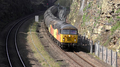 56113 & 56090 6E32  Horbury 26/03/19 (Mr Corbett's stuff) Tags: 56113 56090 6e32 horbury bitumen tanks colas railfreight class 56 grid loco diesel