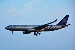 "(ORY) Air Europa Airbus A330  EC-LQP ""skyteam livery""Landing runway 06 (dadie92) Tags: orly airbus aireuropa skyteam eclqp a330 spotting madrid aircraft airplane landing nikon d7100 sigma tamron danieldanel"