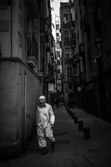 Barcelona Streets (Rense Haveman) Tags: barcelona pentaxk5 rensehaveman streetphotography bw blackwhite people street highcontrast light lightroom city life