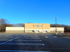 """Closed Toys """"R"""" Us (Waterford, Connecticut) (jjbers) Tags: closed vacant abandoned toys r us store toy waterford new london connecticut"""