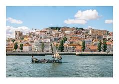 Lisboa, Portugal (Sr. Cordeiro) Tags: lisboa lisbon portugal rio river tejo tagus barco boat vista view castelo castle sãojorge panasonic lumix gx80 gx85 14140mm