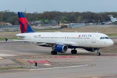 N331NW Airbus A320-211 Delta (SamCom) Tags: dal kdal lovefield dallaslovefield n331nw airbus a320211 delta a320