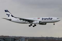 EP-IJA | Airbus A330-243 | Iran Air (cv880m) Tags: london heathrow lhr egll aviation airliner airline aircraft airplane jetliner airport epija airbus a330 332 330200 330243 iran iranair islamicrepublicofiran homa