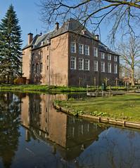 Baarlo - Kasteel d'Erp (Grotevriendelijkereus) Tags: limburg netherlands holland nederland kasteel castle burcht huis house manor mansion architecture architectuur building gebouw medieval middeleeuws baarlo