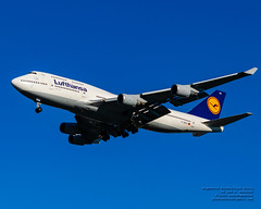 747-400 of Lufthansa on Final to YVR in Blue 2 Dec 2018 Skies (AvgeekJoe) Tags: 747 747400 747430 boeing747 boeing747400 boeing747430 dabvx d5300 dslr lufthansa nikon nikond5300 tamron18400mm tamron18400mmf3563diiivchld aircraft airplane aviation jet jetliner plane