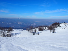 derűs égbolt, szikrázó hómező /cheerful sky, sparkling snow field (debreczeniemoke) Tags: tél winter hó snow túra hiking erdő forest fa tree hegy mountain gutin gutinhegység gutinmountains olympusem5