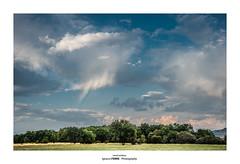 Small rainbow (Ignacio Ferre) Tags: manzanareselreal madrid españa spain landscape paisaje nubes clouds naturaleza nature nikon rainbow arcoiris