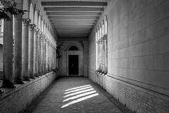 Colonnade (KPPG) Tags: crazytuesday hct potsdam sanssouci schwarzweis blackandwhite monochrome colonnade säulengang