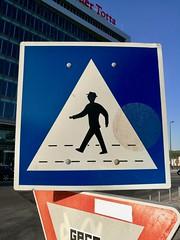 Lisbon 2018 – Man with hat (Michiel2005) Tags: bord sign verkeersbord oversteekplaats zebrapad portugal lisboa lissabon lisbon