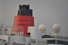 Queen Elizabeth (Hugo Sluimer) Tags: cruiseship cruise cruises cruiser cruiseportamsterdam amsterdam noordholland nederland holland cruiseterminal cruiseschip nikon nikond500 d500