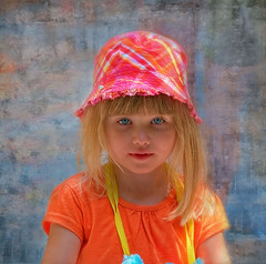Bright eyed child (jta1950) Tags: kid child enfant children portrait person people cute girl fille little hat texture