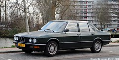 BMW E28 520i 1982 (XBXG) Tags: jg01xk bmw e28 520i 1982 bmwe28 bmw520i bmw520 520 hogeweyselaan weesp nederland holland netherlands paysbas youngtimer vintage old german classic car auto automobile voiture ancienne allemande germany deutsch duits deutschland vehicle outdoor