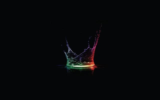 Обои жидкость, свет, тень, разноцветный, всплеск, брызги картинки на рабочий стол, фото скачать бесплатно