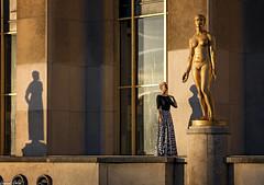 Jeu de Mains/Hand Game (laurentcornu) Tags: cityscape gold woman sunrise trocadéro portrait paris laurentcornu