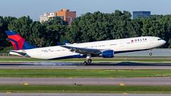MSP N824NW (Moments In Flight) Tags: minneapolisstpaulinternationalairport msp kmsp mspairport aviation avgeek airliner airbus a330 a330302 a333 delta deltaairlines n824nw dal1492 hnlmsp phnlkmsp