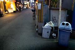 S0287058A evening (soyokazeojisan) Tags: japan osaka city street night evening light cat people digital fujifilm xq2 2019