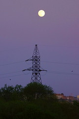 Под луной / Under the moon (Владимир-61) Tags: весна апрель луна небо лэп spring april moon sky transmissionline sony ilca68 minolta 100400 apo