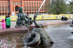 Berlín_0646 (Joanbrebo) Tags: neptunbrunnen mitte berlin de deutschland font fountain fontaine fuente canoneos80d eosd autofocus