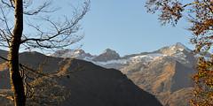 Les pics de Maupas et de Boum, Pyrénées, France (olivier.amiaud) Tags: pyrénées pic montagne sommet 3000 maupas boum nikon d800 automne feuille arbre