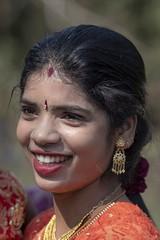rieuse (Patrick Doreau) Tags: portrait asiatique femme woman asian birman myanmar birmanie bagan sourire smile beauté beauty burma fête hindoue