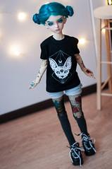 T-shirts (nekophoenix) Tags: bjd abjd photo doll dz dzbjd dollzone annieboy annie boy androgyne