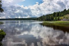 IMG_2457-1 (Andre56154) Tags: schweden sweden sverige wasser water wolke cloud see lake ufer landschaft landscape himmel sky
